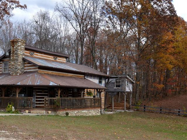 This 8 Acre Kentucky Mountain Farm Boasts A Beautiful Sprawling Mountain  Retreat With Views Of The Daniel Boone National Forest, Pastures For Your  ...